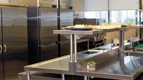Benefícios do uso do aço inoxidável em cozinhas profissionais