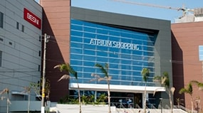 Painéis de ACM e Inox valorizam fachada e interior de shoppings