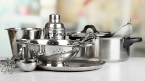 Saiba como limpar inox manchado e fazer os utensílios de cozinha durarem mais