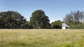 Arquiteta cria casa móvel de só 17 m²