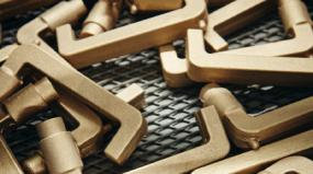 Aço inoxidável, bronze, latão ou alumínio: como escolher o material da maçaneta?