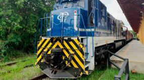 Locomotiva e carros de aço inox do final das décadas de 40 e 50 são destaques no Conturesp