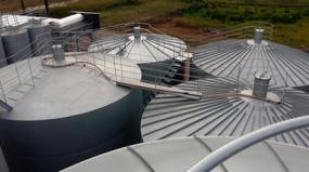 Por que a indústria de água mineral prefere tanques de aço inox